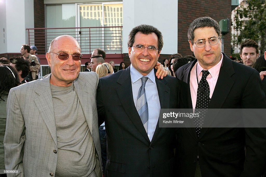 "20th Century Fox Premiere Of ""Mr. & Mrs. Smith "" - Arrivals : News Photo"