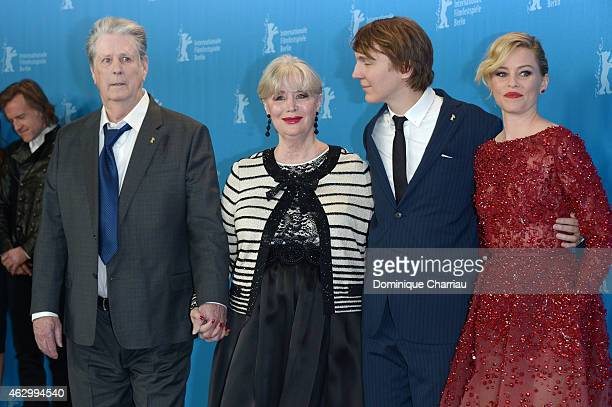 Producer Brian Wilson Melinda Ledbetter Elizabeth Banks and Paul Dano attend the 'Love Mercy' photocall during the 65th Berlinale International Film...