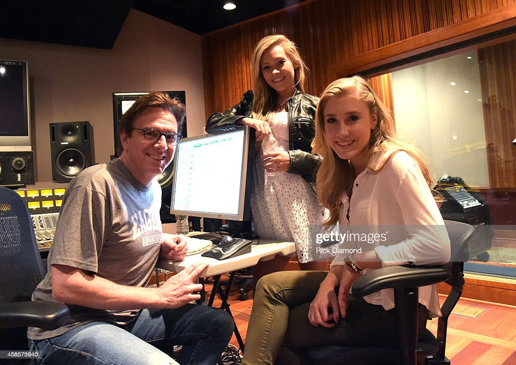 Maddie & Tae Record Their Self-Titled Debut EP With Producer Dann Huff : News Photo