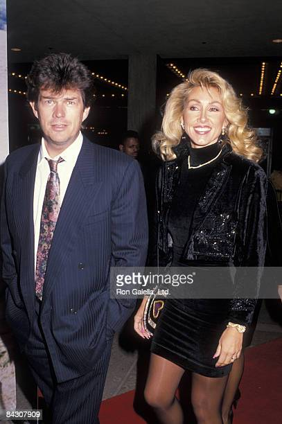 """Producer David Foster and actress Linda Thomson attend the premiere of """"Dances With Wolves"""" on November 4, 1990 at the Cineplex Odeon Cinema in..."""