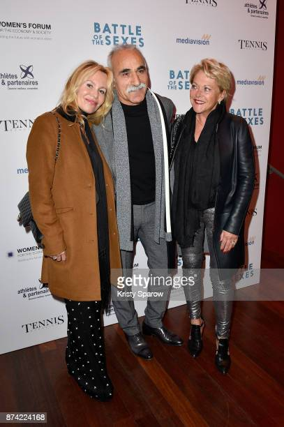 Producer Dawn McDaniel Mansour Bahrami Frederique Bahrami attends the 'The Battle Of The Sexes' Paris Premiere at Publicis Champs Elysees on November...