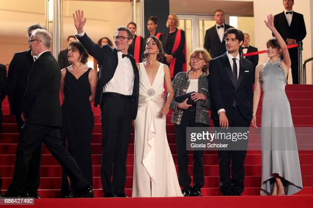 Producer Florence Gastaud director Michel Hazanavicius actors Berenice Bejo Anne Wiazemsky Louis Garrel and Stacy Martin attend the 'Redoubtable '...