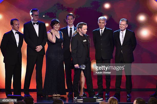 Producer Geyer Kosinski actors Allison Tolman Colin Hanks and Billy Bob Thornton producers Warren Littlefield and Noah Hawley accept the Best...