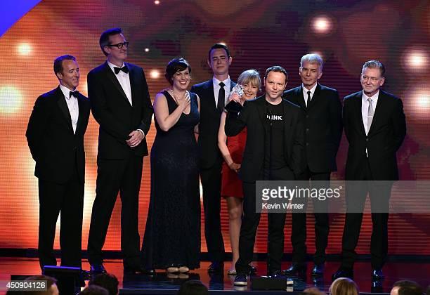 Producer Geyer Kosinski actors Allison Tolman Colin Hanks and Billy Bob Thornton producers Warren Littlefield Kim Todd and Noah Hawley accept the...