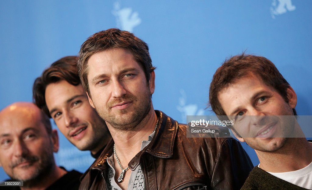 Producer Gianni Nunnari, actors Rodrigo Santoro, Gerard Butler and director Zack Snyder attend a photocall to promote the movie '300' during the 57th Berlin International Film Festival (Berlinale) on February 14, 2007 in Berlin, Germany.