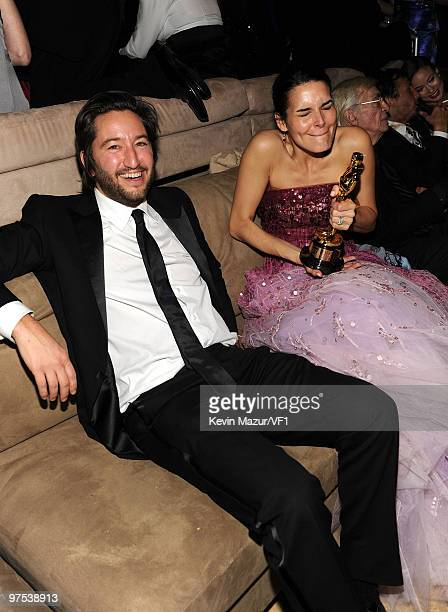 Producer Greg Shapiro and Angie Harmon attend the 2010 Vanity Fair Oscar Party hosted by Graydon Carter at the Sunset Tower Hotel on March 7, 2010 in...