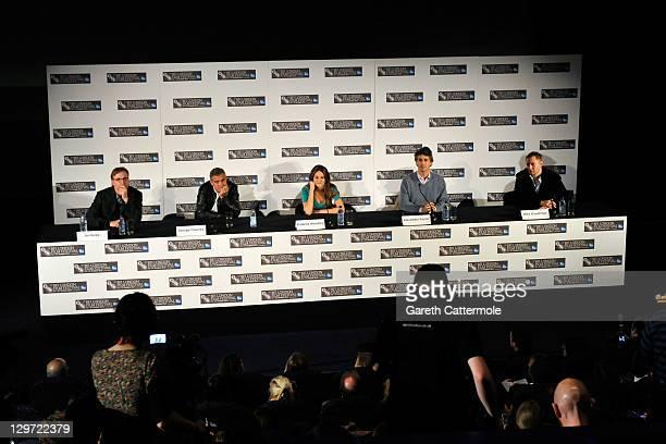 Producer Jim Burke actor George Clooney actress Shailene Woodley director/writer Alexander Payne and Mike Goodridge speak at The Decendants press...