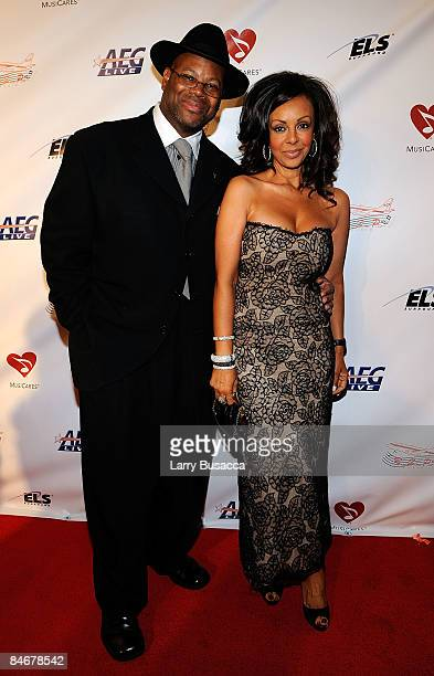 Producer Jimmy Jam and his wife Lisa Padilla arrives at the 2009 MusiCares Person of the Year Tribute to Neil Diamond at the Los Angeles Convention...