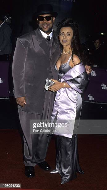 Producer Jimmy Jam and wife Lisa Padilla attend Essence Awards on May 12 1995 at the Paramount Theater in New York City