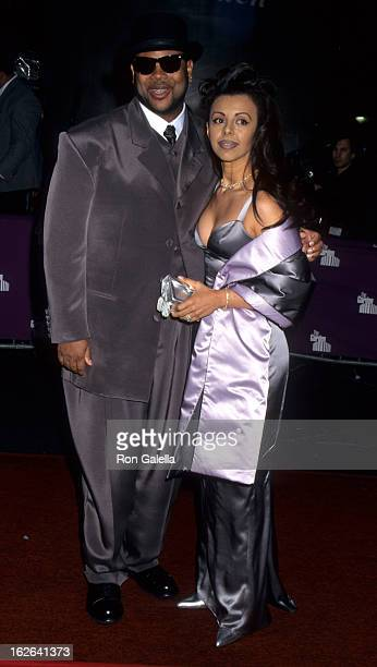 Producer Jimmy Jam and wife Lisa Padilla attend Essence Awards on May 12, 1995 at the Paramount Theater in New York City.