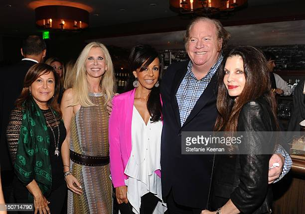 Producer Joanna Horowitz Author Donna Antebi Lisa Harris John Carrabino and Designer Loree Rodkin attend the book release of The After Wife by Gigi...