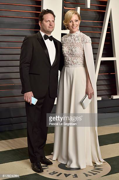 Producer Max Handelman and actress Elizabeth Banks attend the 2016 Vanity Fair Oscar Party Hosted By Graydon Carter at the Wallis Annenberg Center...