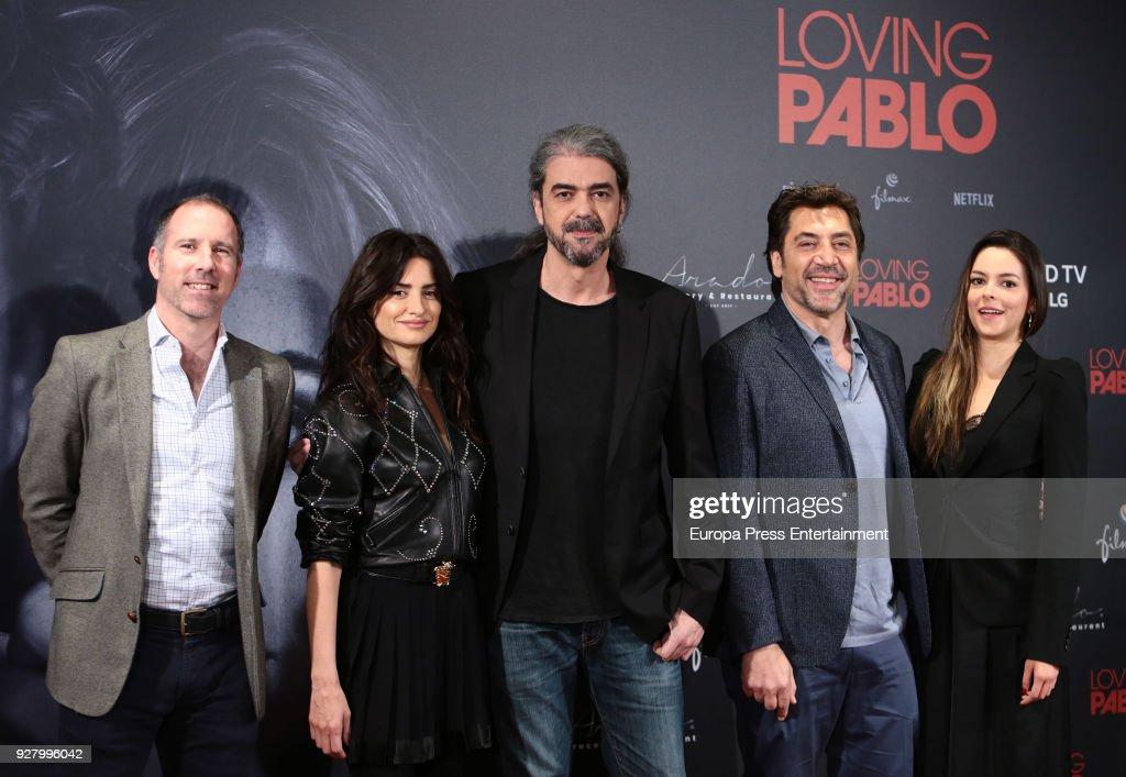 Producer Miguel Menendez de Zubillaga, Penelope Cruz, director Fernando Leon de Aranoa, Javier Bardem and Julieth Restrepo attend 'Loving Pablo' photocall on March 6, 2018 in Madrid, Spain.