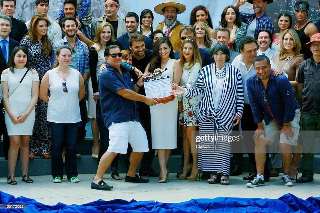 Producer Salvador Mejia And Cast Of Lo Imperdonable During The News Photo Getty Images