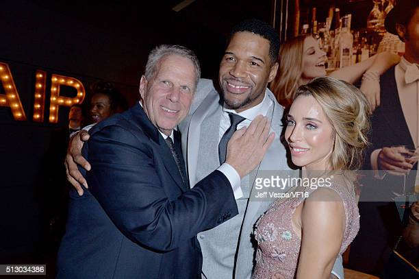 Producer Steve Tisch TV personality Michael Strahan and Katia Francesconi attend the 2016 Vanity Fair Oscar Party Hosted By Graydon Carter at the...
