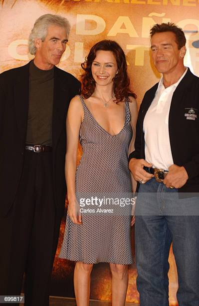 Producer Steven Reuther actress Francesca Neri and actor Arnold Schwarzenegger attend the promotion of their new movie 'Collateral Damage' February 8...