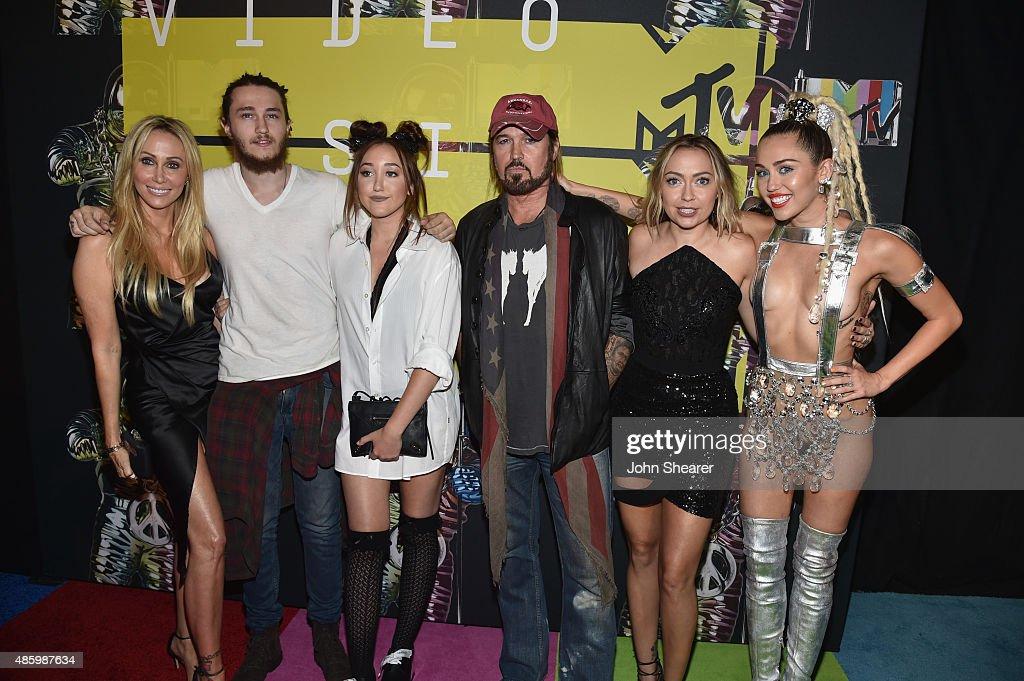 2015 MTV Video Music Awards - Red Carpet : News Photo