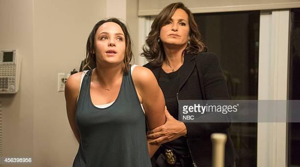 UNIT 'Producer's Backend' Episode 1603 Pictured Stevie Lynn Jones as Tensley Evans Mariska Hargitay as Detective Olivia Benson