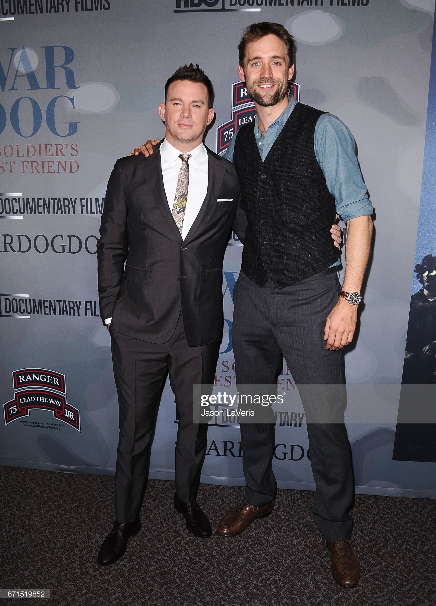¿Cuánto mide Channing Tatum? - Altura - Real height Producers-channing-tatum-and-reid-carolin-attend-the-premiere-of-war-picture-id871519852?s=2048x2048