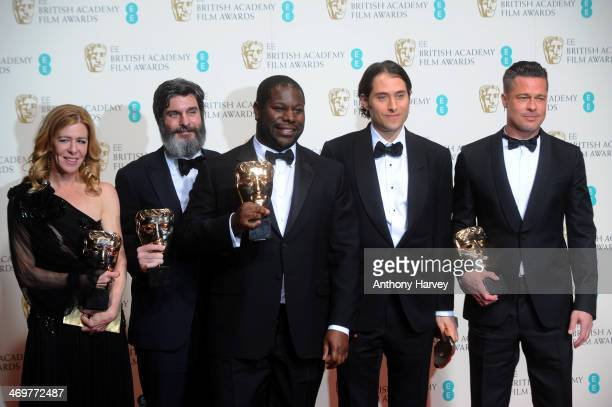 Producers Dede Gardner Anthony Katagas director Steve McQueen producers Jeremy Kleiner and Brad Pitt winners of the Best Film award pose in the...