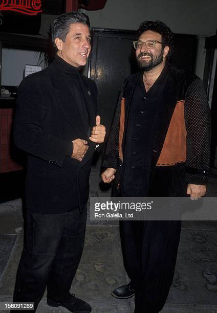 Producers Joel Silver and Jon Peters attending the world premiere of 'Bram Stoker's Dracula' on November 10 1992 at Mann Chinese Theater Hollywood...
