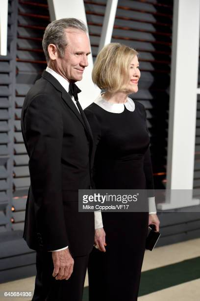 Production designer Bo Welch and actress Catherine O'Hara attends the 2017 Vanity Fair Oscar Party hosted by Graydon Carter at Wallis Annenberg...