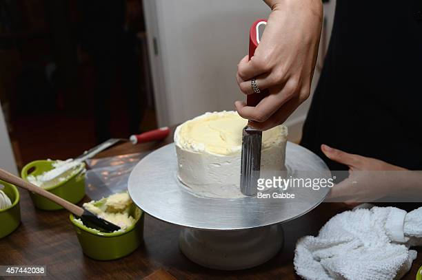 Production Manager at Billy's Bakery Moriah Tulier presents Anolon Gourmet Cookware at Anolon Cookware presents The Art Of Cake Decorating with...