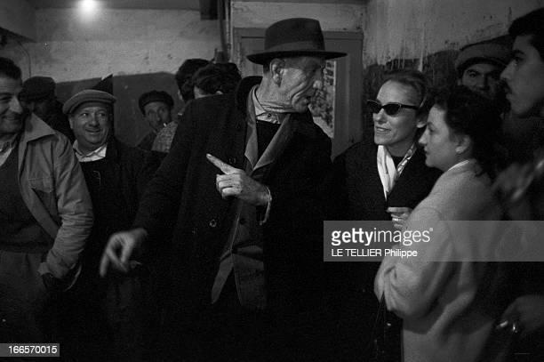 Production Of ' La Famille Hernandez' By The Theater Troupe Of Bab El Wadi Alger Bab elOued 18 Décembre 1958 La troupe de théâtre qui produisit 'La...