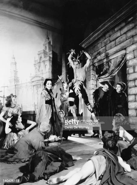 A production of the opera 'Dido and Aeneas' by Henry Purcell at Sadler's Wells with Anna Pollak as Dido circa 1951