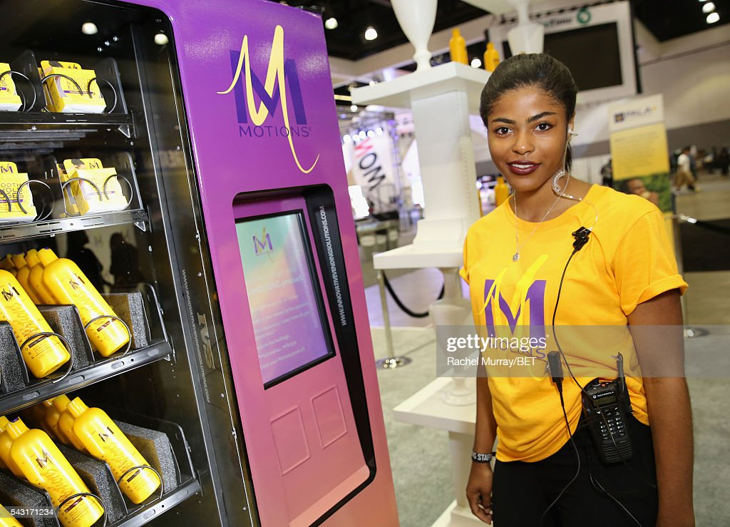 CA: 2016 BET Experience - #It'sYourMove Hair Showcase powered by Motions