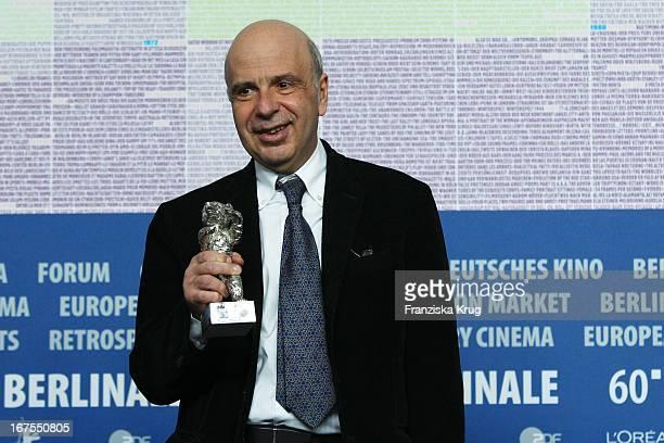 Produzent Alain Sarde Auf Der Pressekonferenz Der Gewinner Der 60 Berlinale 2010 Im Hotel Hyatt In Berlin Am 20022010