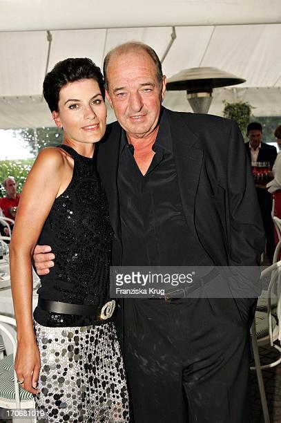 Produzent Ralph Siegel Mit Freundin Kriemhild Jahn Beim 11 Entertainment Classics Golfturnier Im Golfclub Beuerberg Am 240604