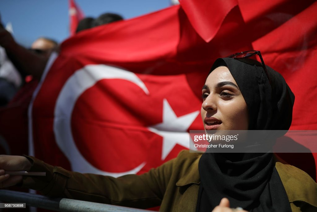 Pro-Erdogan supporters demonstrate on Whitehall outside Downing Street as Turkish President Recep Tayyip Erdogan meets the Prime Minister, on May 15, 2018 in London, England. Turkish President Mr Erdogan is in the UK for a three-day visit, which includes a closing lecture at the Tatlidil Forum in Oxford, an audience with The Queen and talks with British Prime Minister Theresa May.