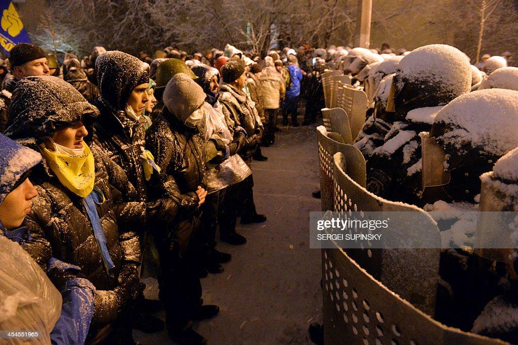 UKRAINE-UNREST-POLITICS-EU-RUSSIA : News Photo