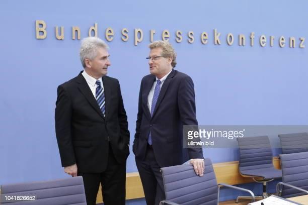 Prof Dr Andreas Pinkwart Minister für Wirtschaft Innovation Digitalisierung und Energie des Landes NordrheinWestfalen Dr Bernd Buchholz Minister für...