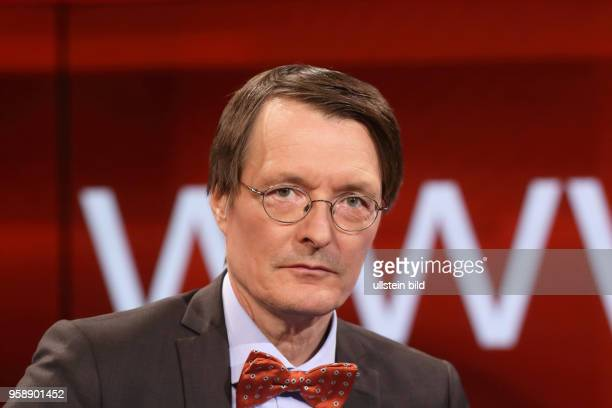 Prof. Dr. Karl Lauterbach in der ARD-Talkshow hart aber fair am in Berlin Thema der Sendung: Waschen, pflegen, trösten ? Wer kümmert sich um uns,...