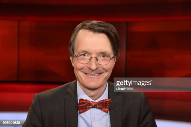 Prof Dr Karl Lauterbach in der ARDTalkshow hart aber fair am in Berlin Waschen pflegen trösten Ð Wer kümmert sich um uns wenn wir alt sind