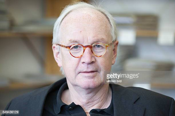Prof. Dr. Wilhelm Heitmeyer, head of institute for research on violence and conflicts at Bielefeld University