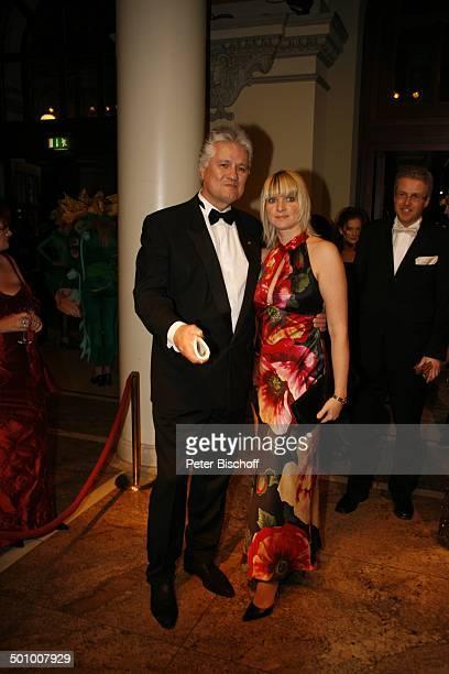 Prof DrGuido Knopp Ehefrau Gabriella Gala 25Frankfurter Opernball Frankfurt Hessen Deutschland Europa Frankfurter Oper Abendkleid Redakteur Promi NB...