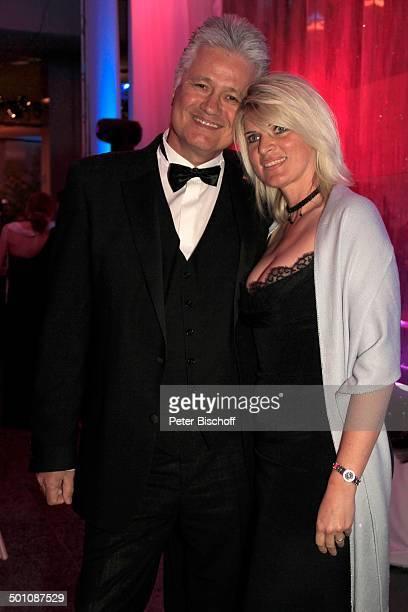 Prof Guido Knopp Ehefrau Gabriella 20 Radio RegenbogenBenefizGala Ball der Sterne Rosengarten Mannheim BadenWürttemberg Deutschland Europa Party...