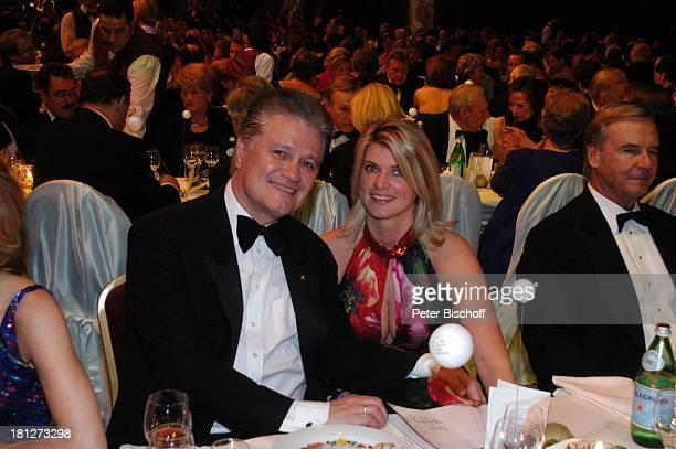 ProfDr Guido Knopp Ehefrau Gabriella Ball des Sports Frankfurter Festhalle Frankfurt Stiftung Deutsche Sporthilfe Ball Gala Ehemann Ehepaar Promis...