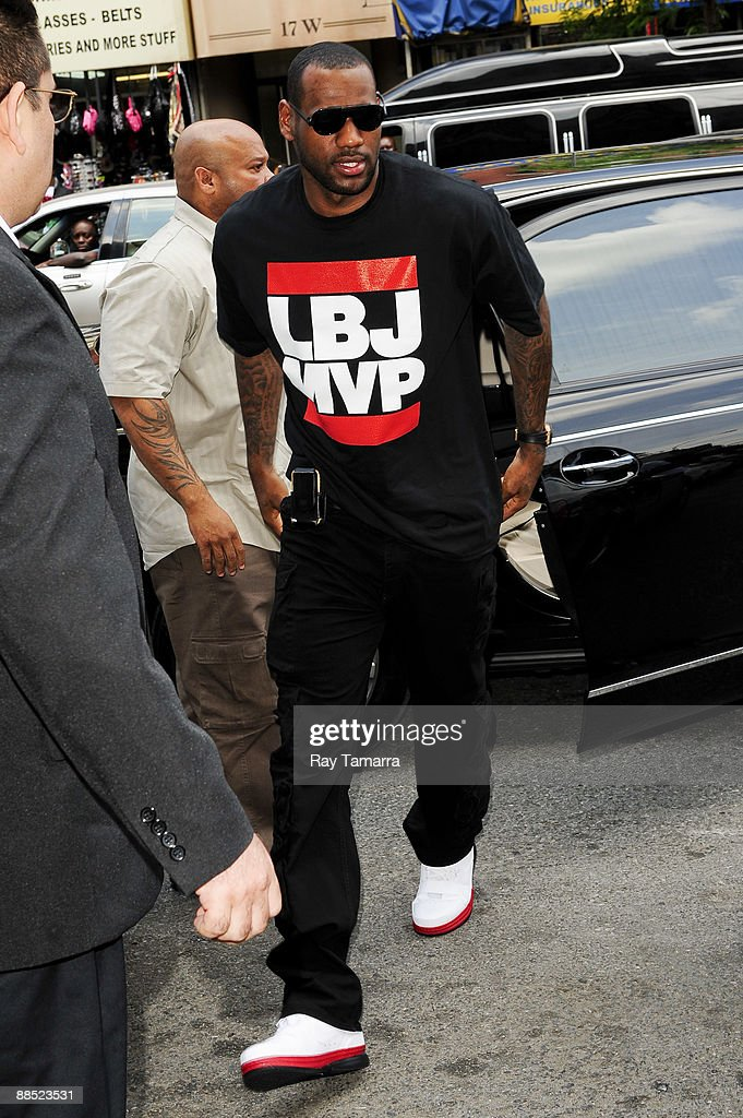 Professional basketball player LeBron James walks in Harlem on June 16, 2009 in New York City.