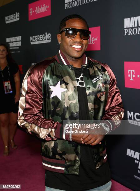 Professional boxer Adrien Broner arrives on TMobile's magenta carpet duirng the Showtime WME IME and Mayweather Promotions VIP PreFight Party for...