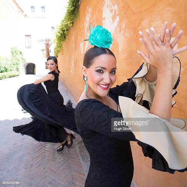 professional flamenco dancers. spain - hugh sitton - fotografias e filmes do acervo