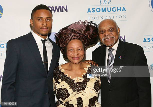 Professional Football Player Nnamdi Asomugha Asomugha Fundation President Dr Lilian Asomugha and Reverend Cecil Murray attend the Fifth Annual...