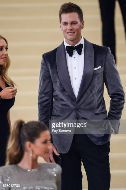 Professional football player Tom Brady enters the Rei Kawakubo/Comme des Garcons Art Of The InBetween' Costume Institute Gala at the Metropolitan...