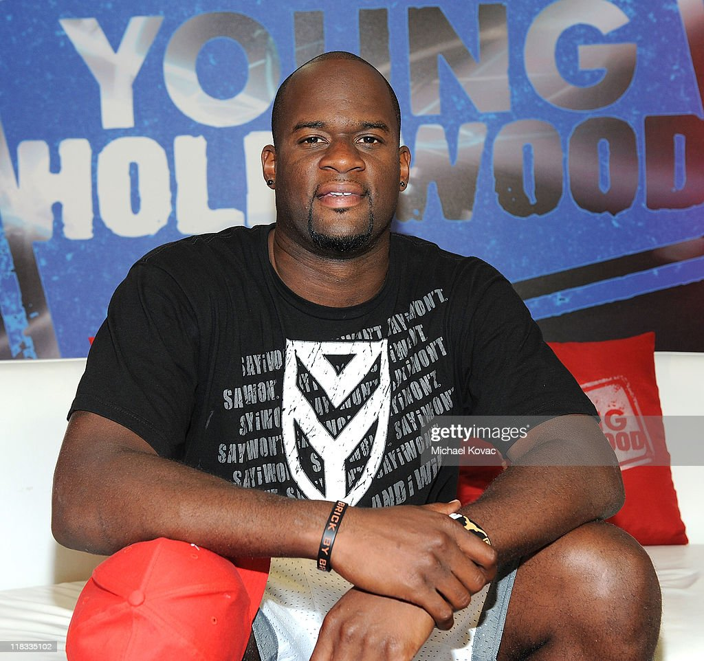 Vince Young Visits Young Hollywood Studio