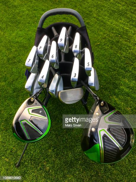 professional golf bag with a set of golf clubs - driver golf club stock pictures, royalty-free photos & images