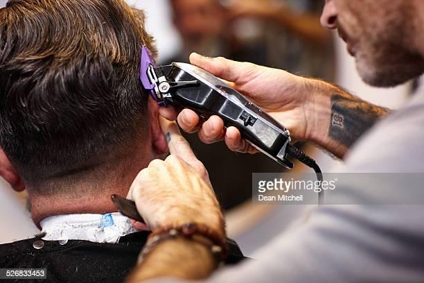 La coupe de cheveux coiffeur professionnel