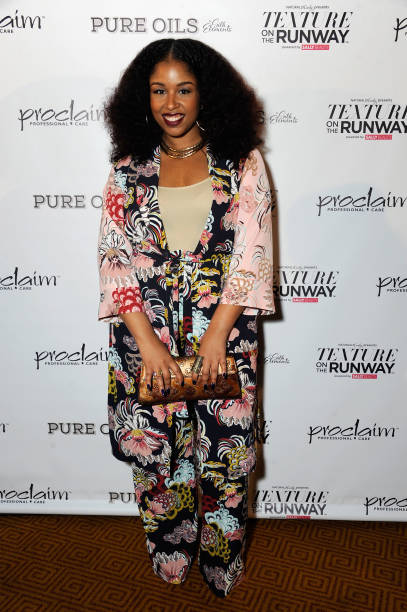 professional hairstylist and blogger monica mo stevens of moknowshair attends texture on the runway - Professional Hairstylist
